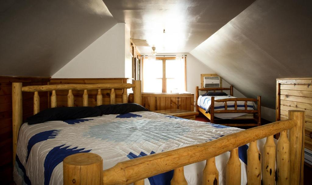 dakota inn sd backroads cabins in area hills south black mt rental rushmore