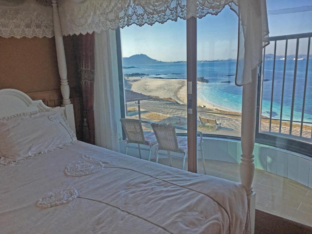 white castle pension, jeju, south korea - booking