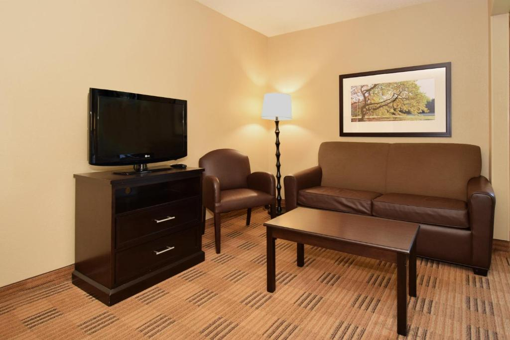 17 Photos Close Extended Stay America Montgomery Carmichael Rd