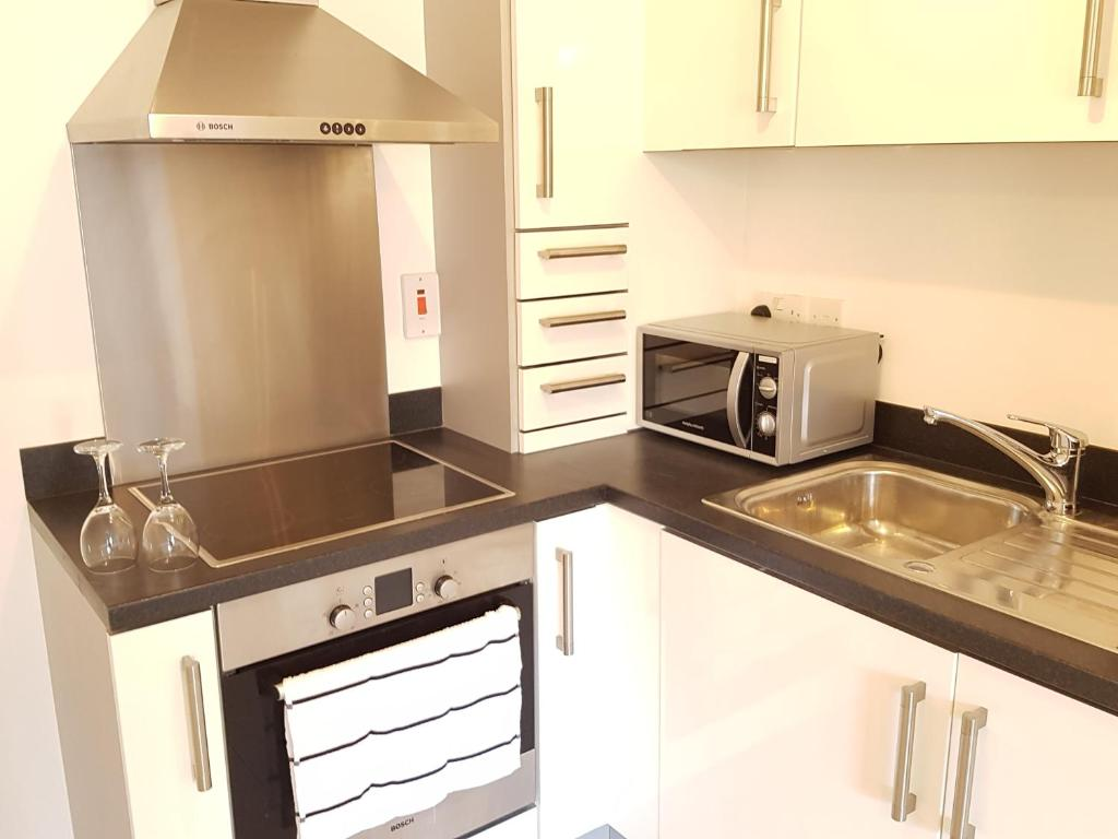Uncategorized Kitchen Appliances Cardiff bayside apartments cardiff uk booking com