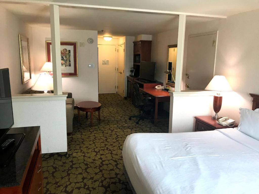 Hilton Garden Inn Philadelphia PA Bookingcom