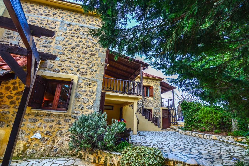 Остров Трикала дом в деревне