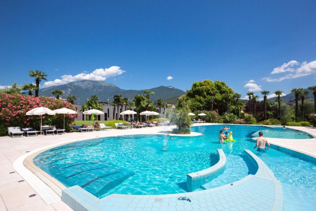 astoria park hotel spa resort (italia riva del garda) - booking.com - Arredo Bagno Riva Del Garda