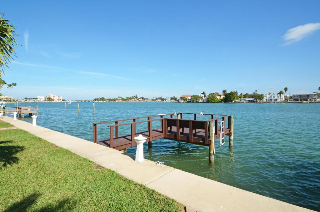 Apartment Westwinds Waterfront St Pete Beach Fl