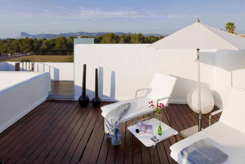 boutique hotels in port des torrent  13