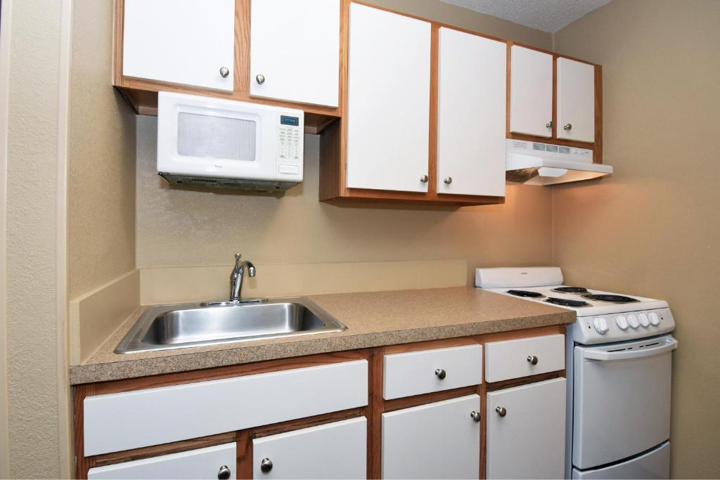 Condo Hotel Extended Stay Meadow Dr, Irving, TX - Booking.com