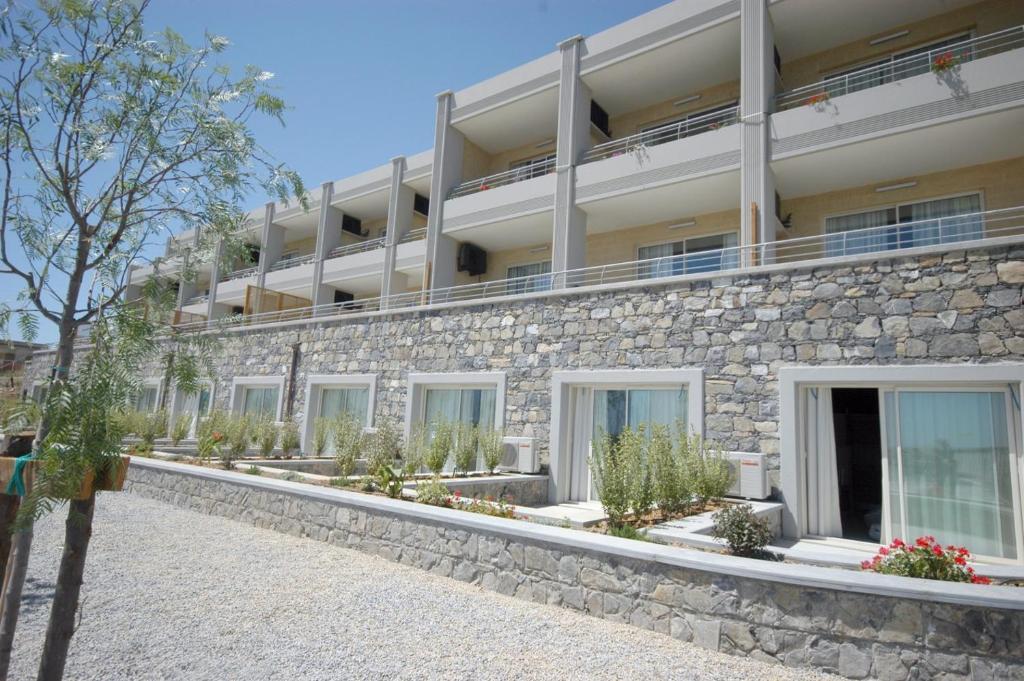 Appartamenti aregai santo stefano al mare prezzi for Appartamenti porto santo stefano