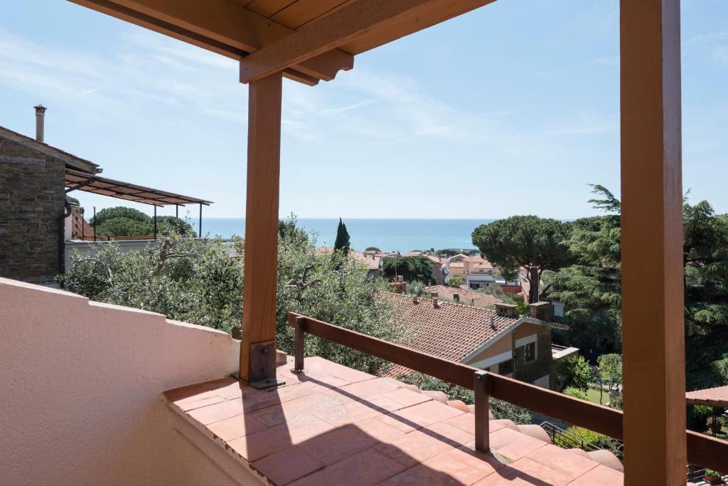 Villa con Terrazza Vista Mare, Castiglione della Pescaia, Italy ...