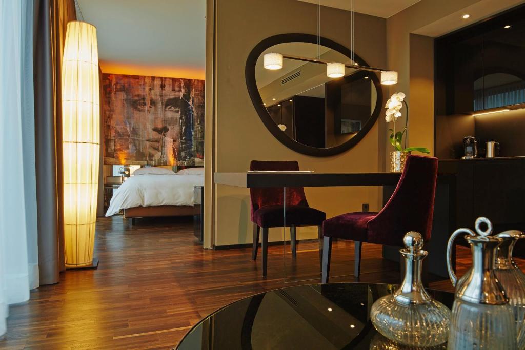 savoy hotel deutschland k ln. Black Bedroom Furniture Sets. Home Design Ideas