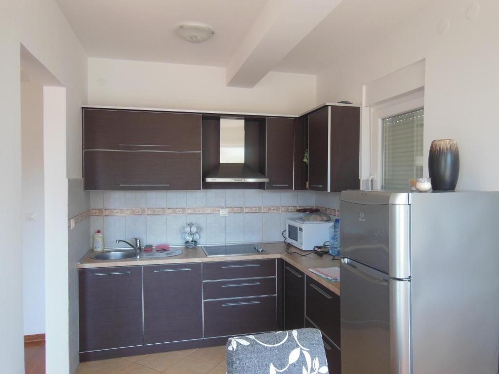 Sunset Apartment Petrovac Na Moru Montenegro Booking Com # Muebles Vaoli Leon