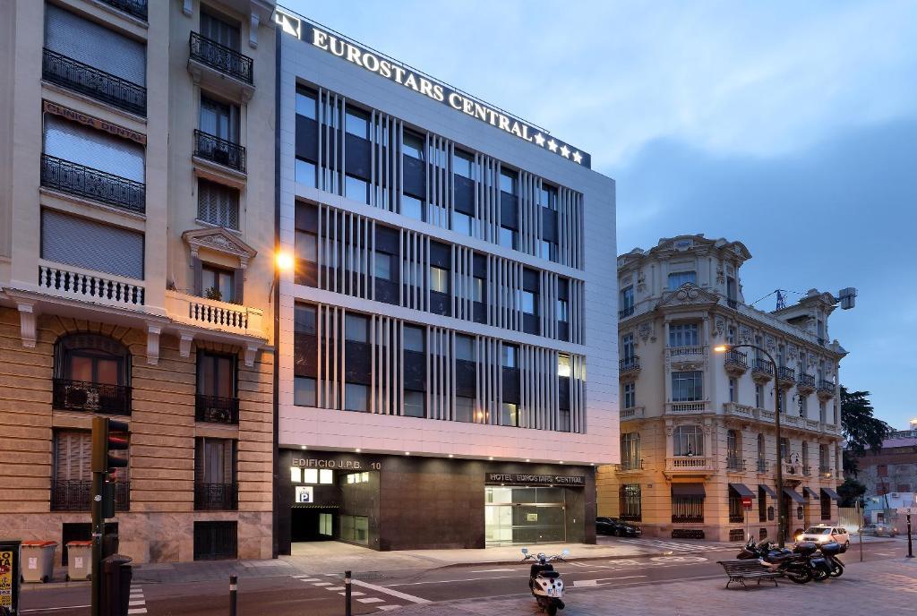 Roban 8.000 euros a un expresidente de Paraguay en un hotel de Mejía Lequerica