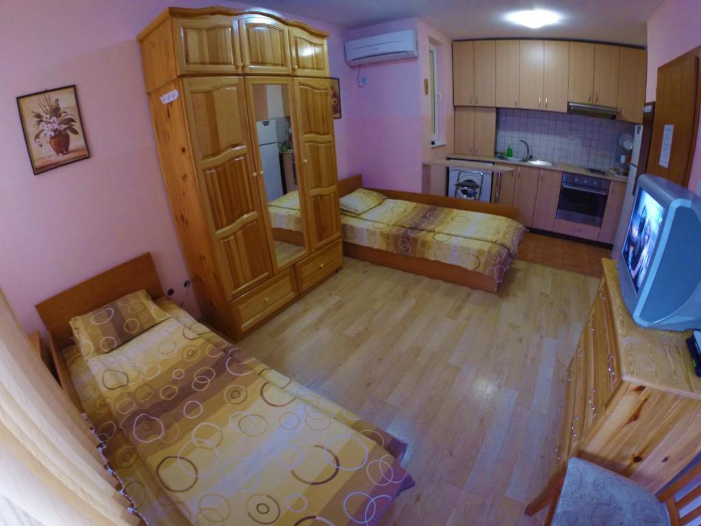Къща за гости Самостоятелни Стаи Наш Дом - Велико Търново