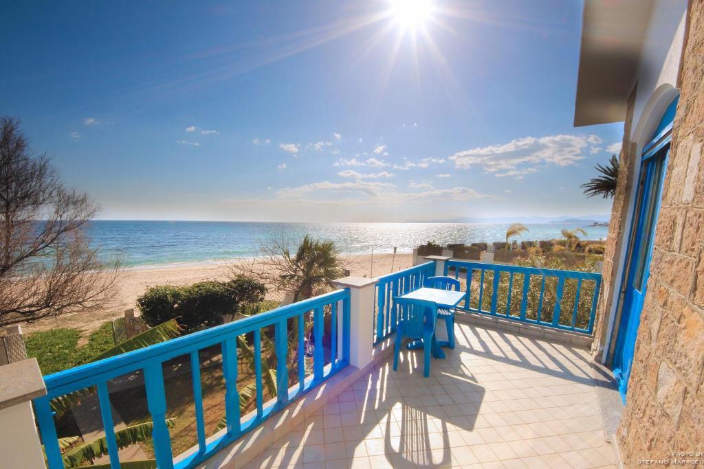 La casa sulla spiaggia flumini di quartu prezzi for Disegni moderni della casa sulla spiaggia