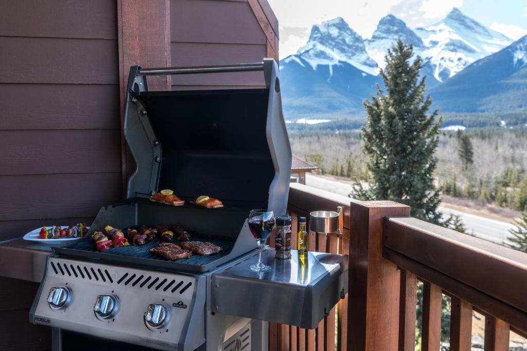 Falcon Crest Lodge by CLIQUE (Kanada Canmore) - Booking.com