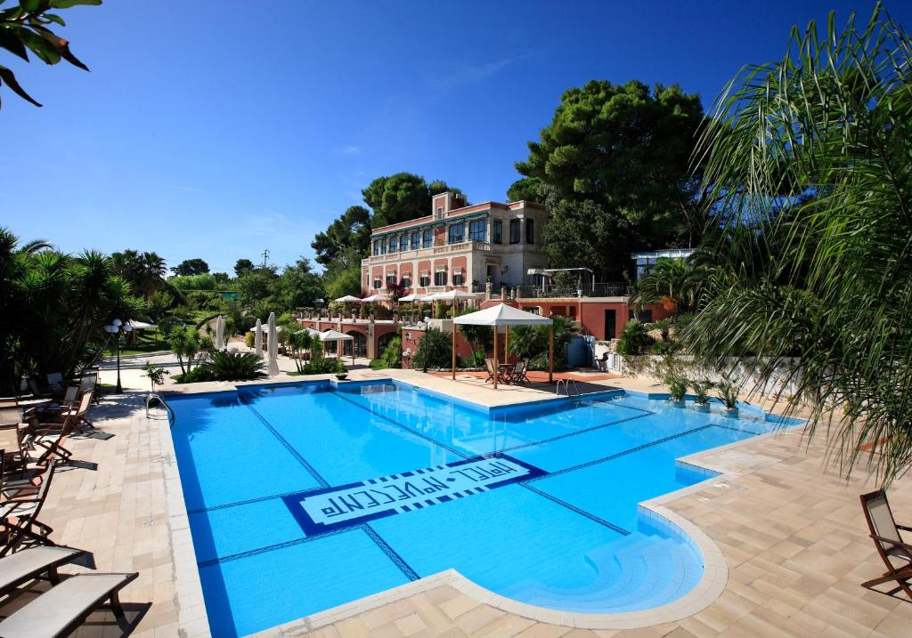 The swimming pool at or near Hotel Park Novecento Resort