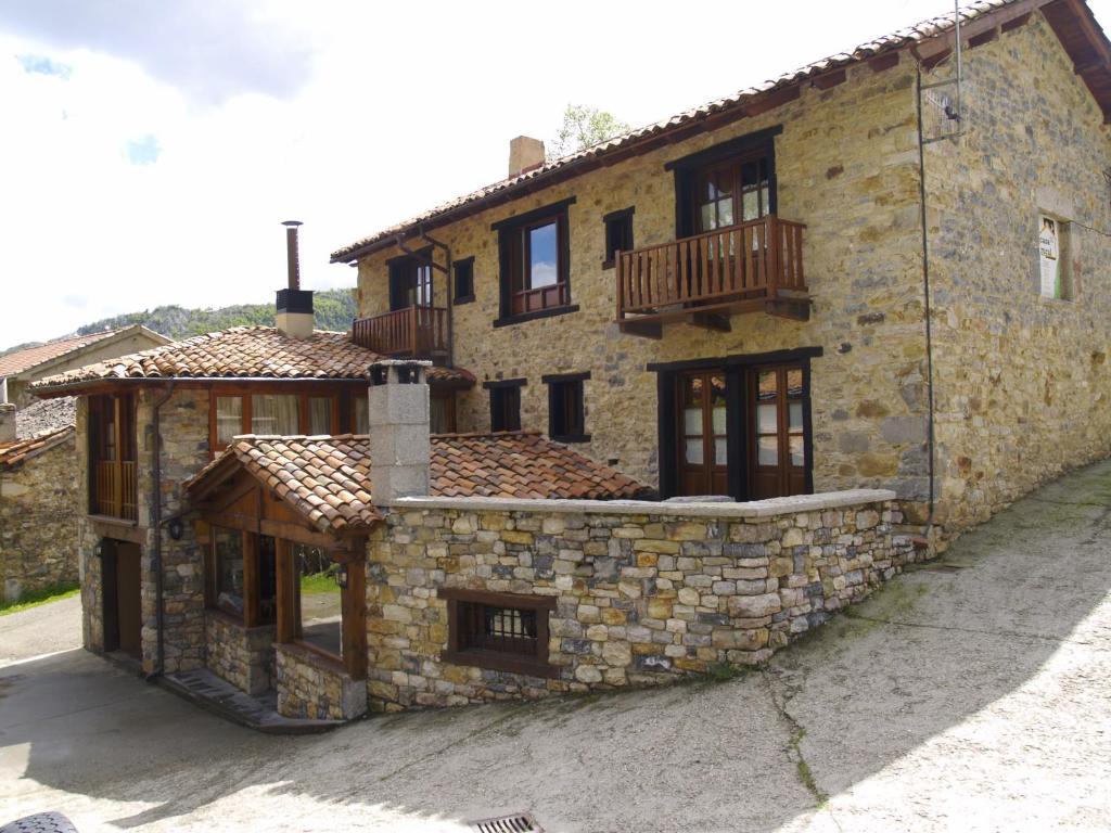 Casa rural la catedral de la monta a lois precios - Apartamentos de montana ...