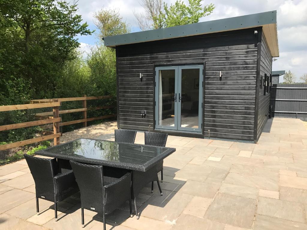Holiday Home Windsor Luxury Cabin Near Legoland UK