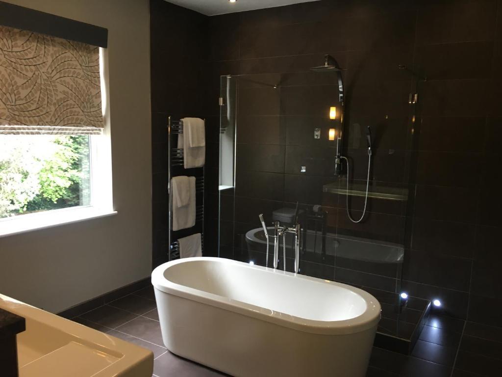 Bathrooms birmingham uk - Gallery Image Of This Property