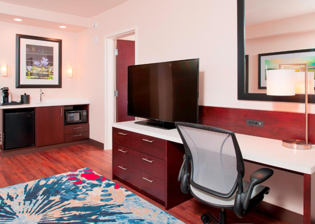 hilton garden inn pittsburgh downtown reserve now gallery image of this property gallery image of this property gallery image of this property - Hilton Garden Inn Pittsburgh Downtown