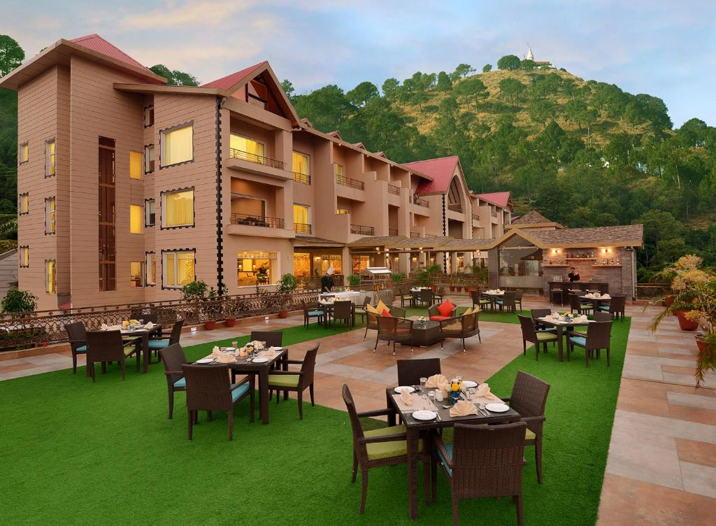 15 Best Resorts In Kasauli For A Tranquil Getaway