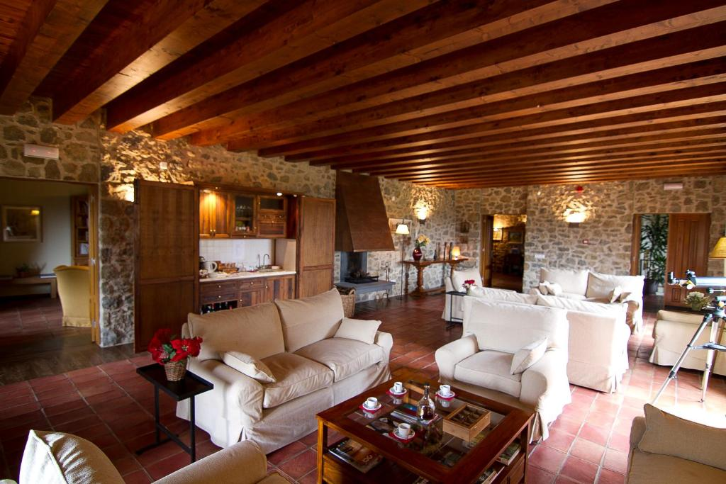 boutique hotels in sant felíu de pallarols  7