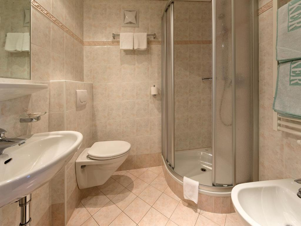Hotel Nocker (Italia Dobbiaco) - Booking.com