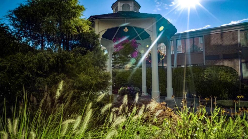 Photo of Fairfields Lounge @ Ethan Allen Hotel - Danbury, CT, United States  ...