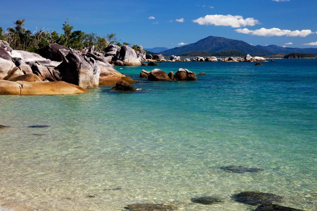 Dunk Island Holidays: Vacation Home Bedarra Beach House, South Mission Beach