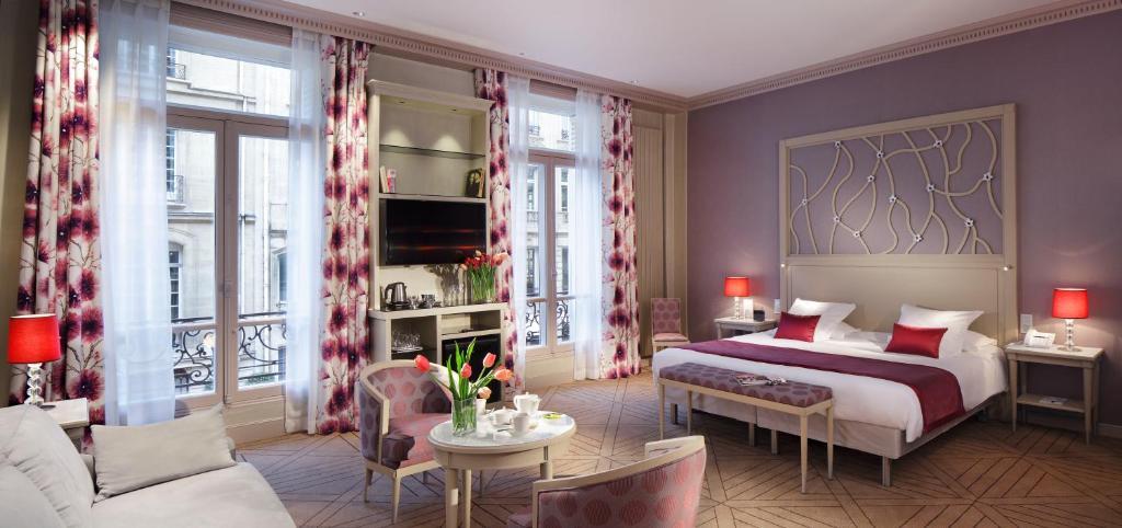 Hotel chateau frontenac paris france for Chateau hotel paris