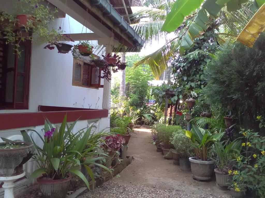 Gem Villa Midigama East Sri Lanka Booking Com