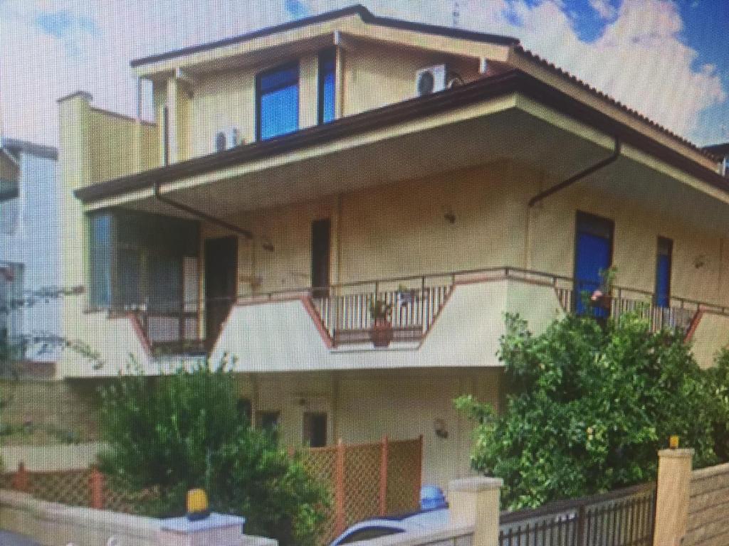 casa vacanza barcellona pozzo di gotto, Barcellona Pozzo di Gotto ...
