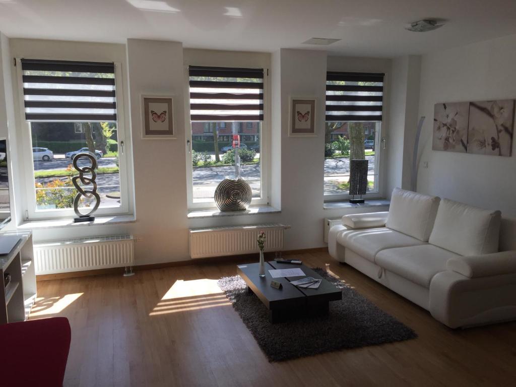 artep apartments cologne germany. Black Bedroom Furniture Sets. Home Design Ideas