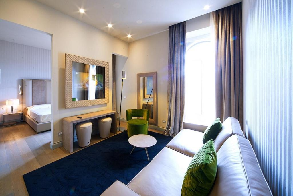 Guesthouse Vittoriano Luxury Suites Rome Italy Bookingcom