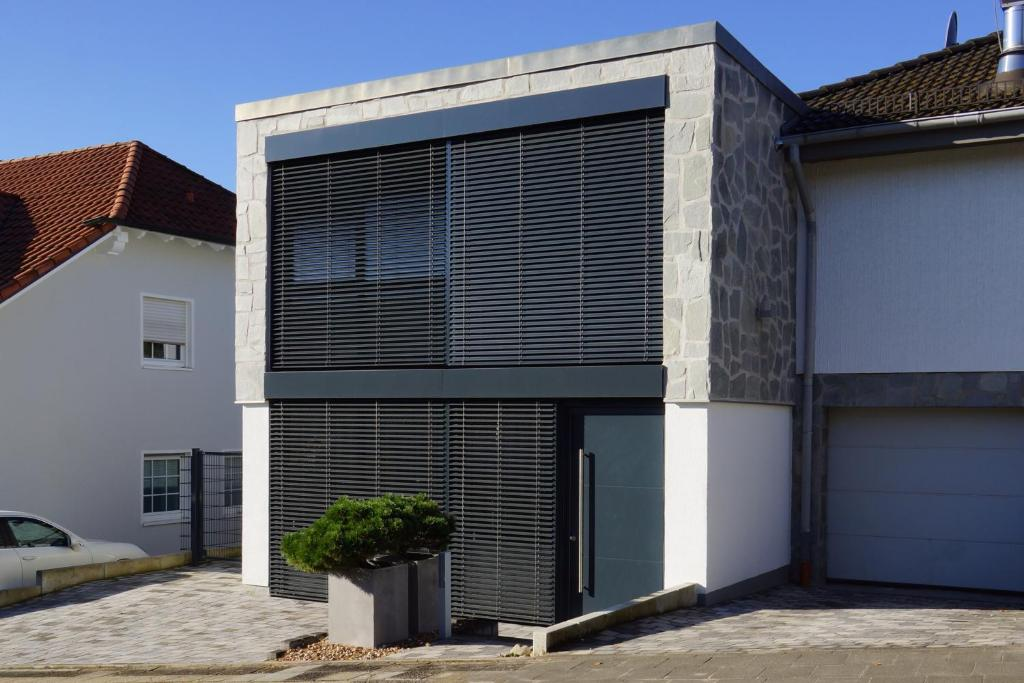 dmmung aus polen awesome betongarage aus polen with dmmung aus polen simple h d f nbsp with. Black Bedroom Furniture Sets. Home Design Ideas
