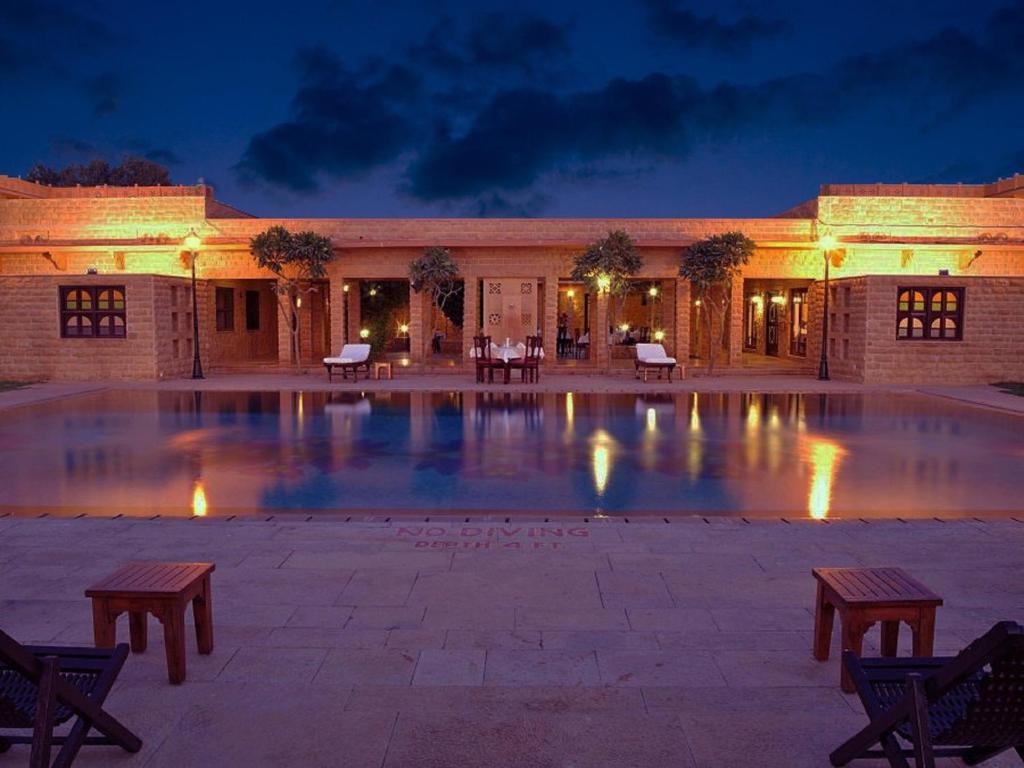 Hotel rawal kot jaisalmer india - Jaisalmer hotels with swimming pool ...