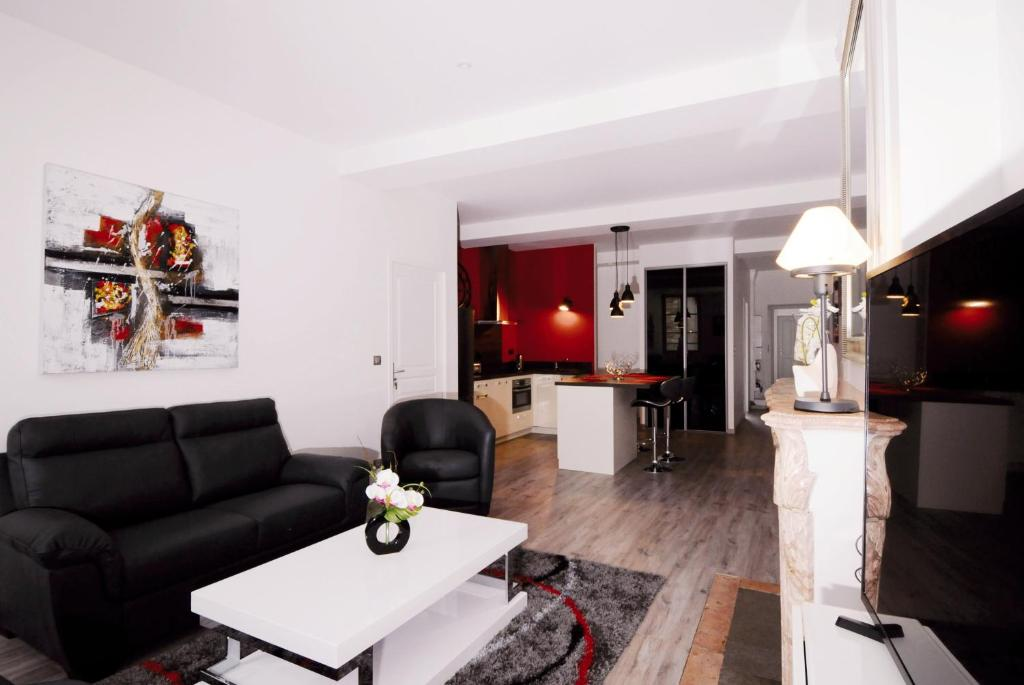 Apartment Le Beau Carnot, Beaune, France - Booking.com on