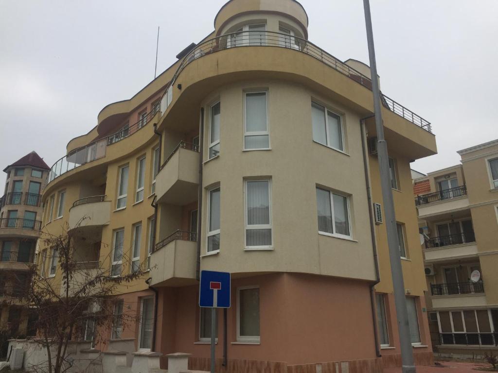 Апартамент Private Adi - Несебър