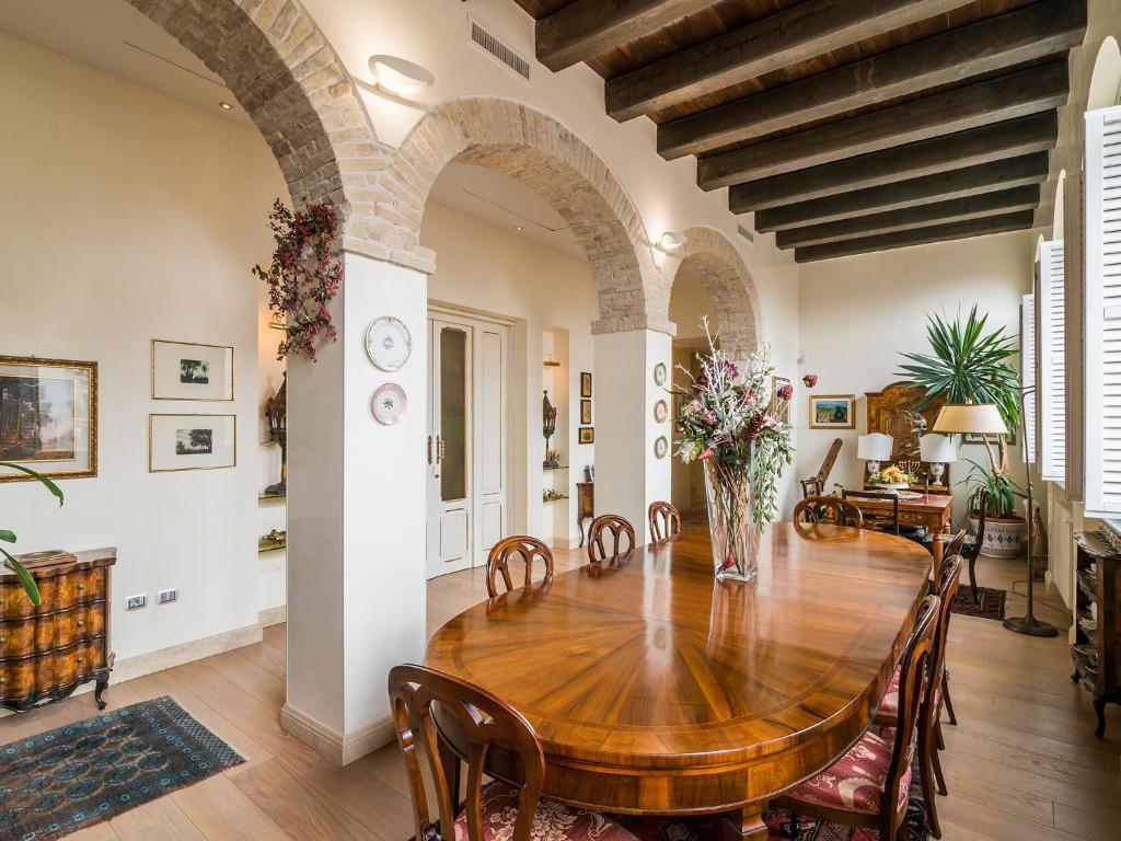 La Terrazza sul Borgo, Cagliari - Booking.com