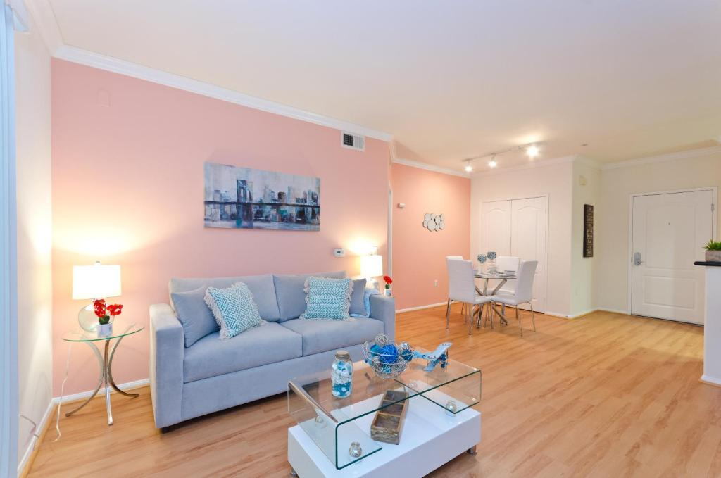 Popular Downtown LA Parlor Resort S Los Angeles CA Booking Beauteous Parlor Interior Design Property