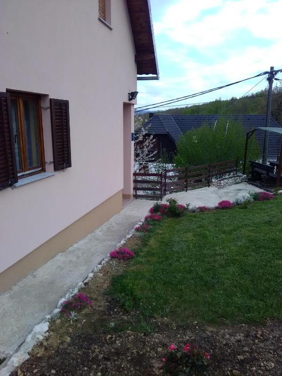 Garten Kinderschaukel , Apartment Matko Poljanak Croatia Booking