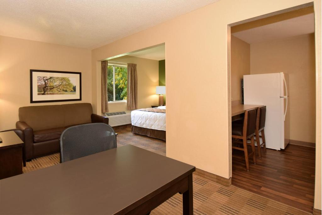 Extended Stay America - Toledo - Maumee