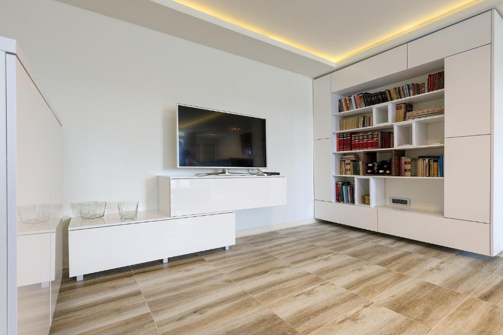 TV i/ili multimedijalni sistem u objektu Park View Apartment