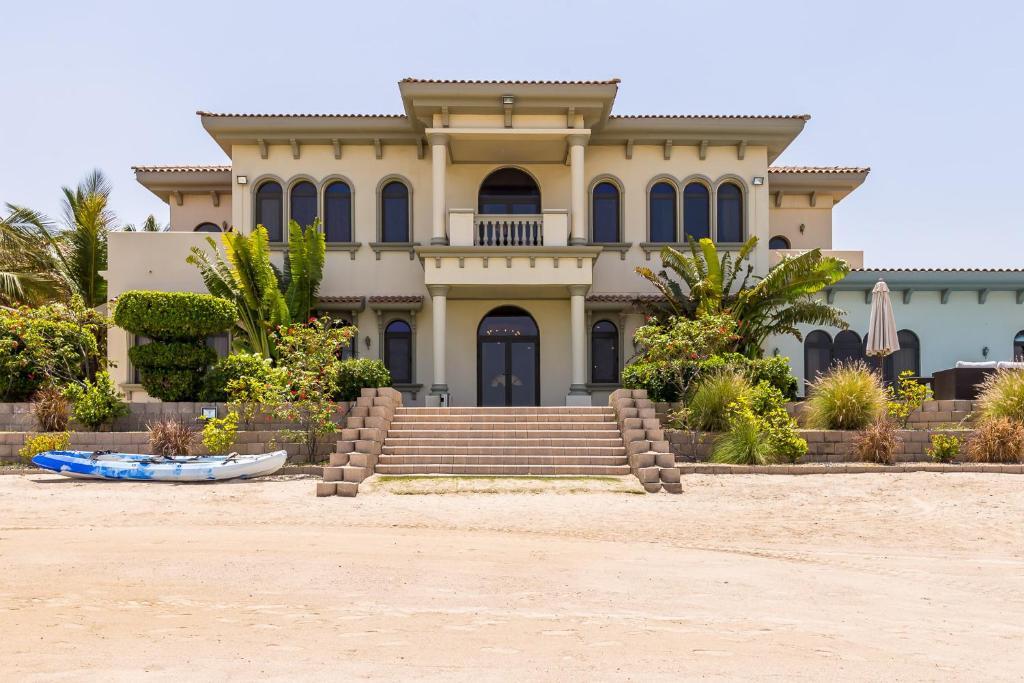 palatial villa with private beach on palm jumeirah dubai uae