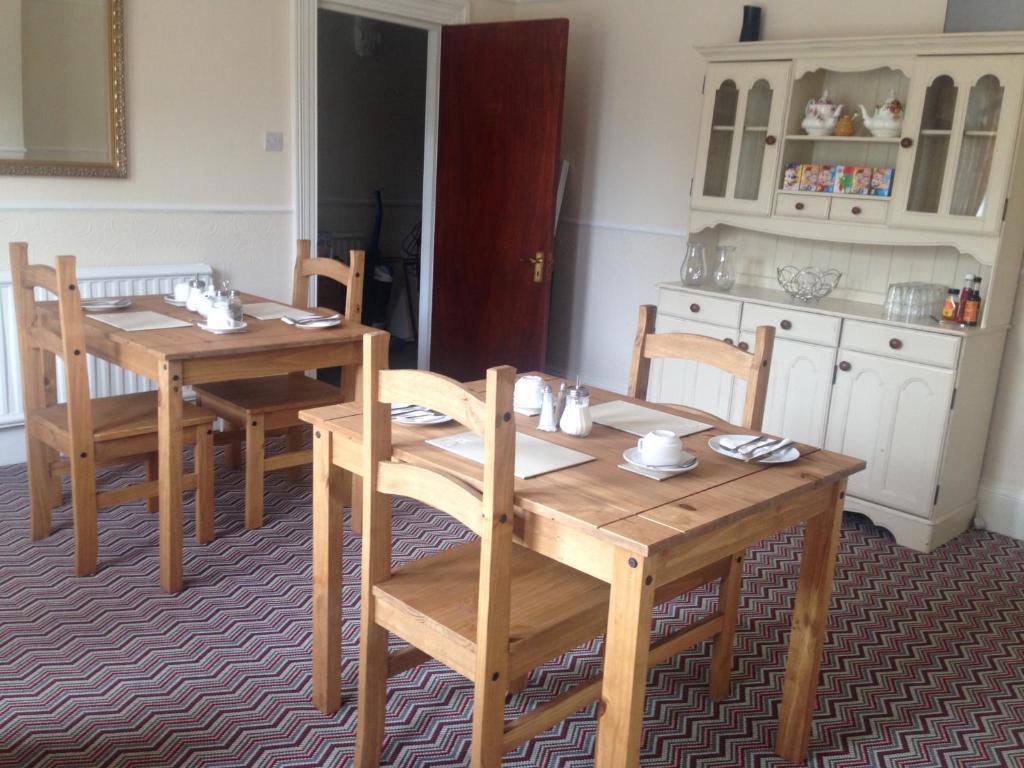 Britannia rose dining room set