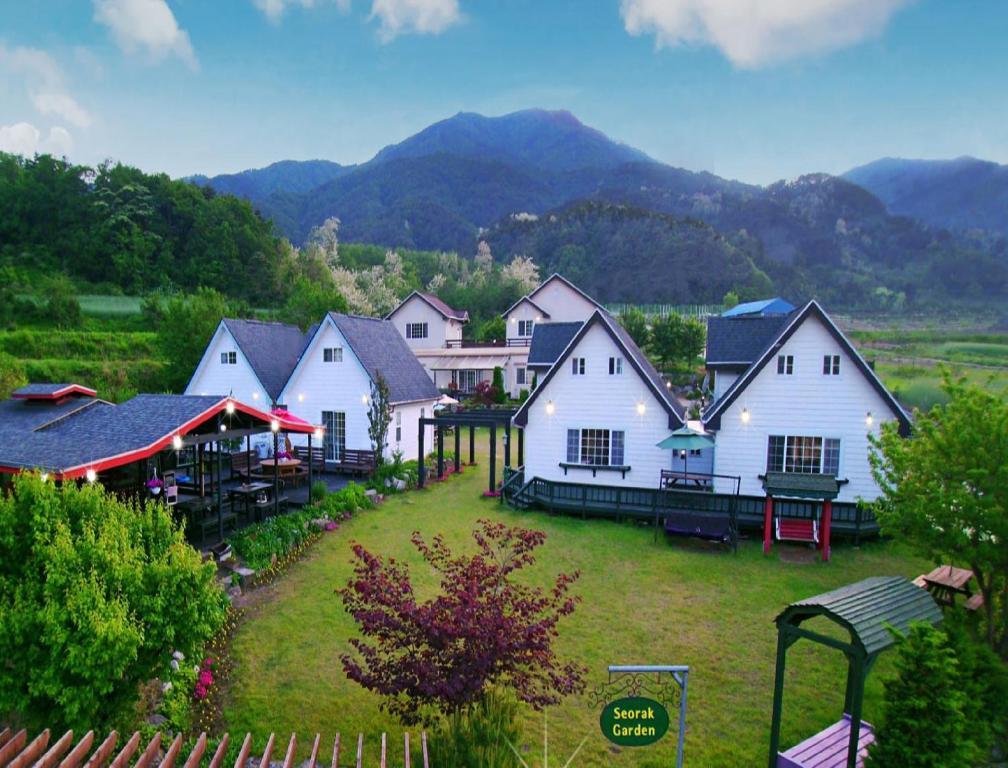 Seorak Garden Villa, Yangyang, South Korea - Booking.com