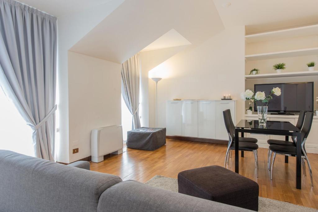 apartment milan royal suites cadorna italy booking com rh booking com