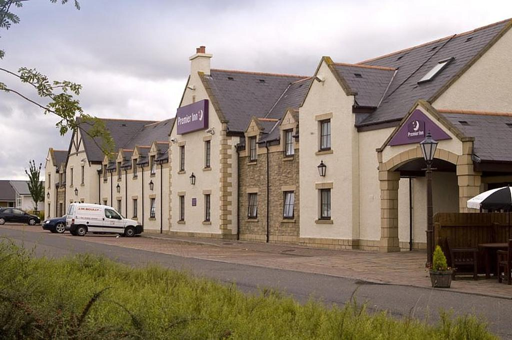 Premier Inn Dundee East Broughty Ferry Uk Booking Com