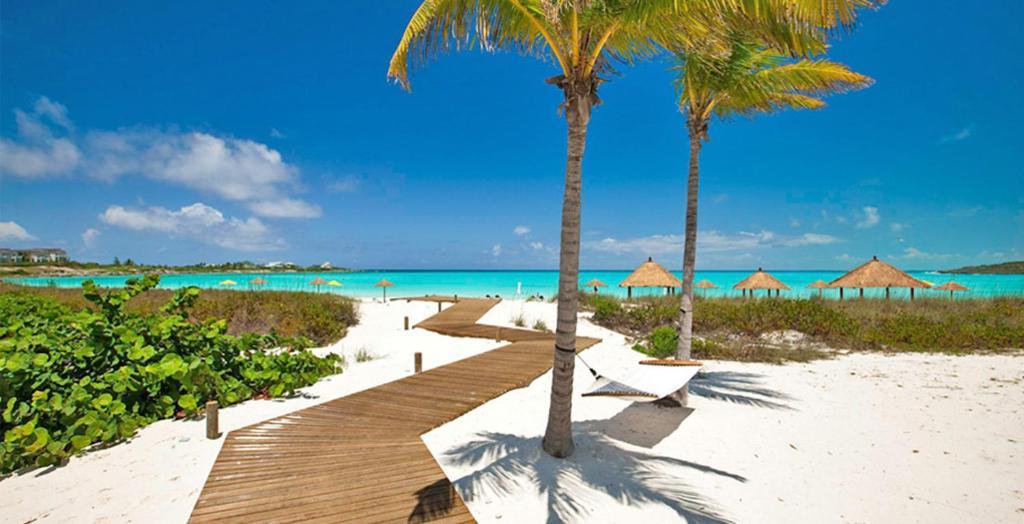 8987eba7f0d21 Resort Sandals Emerald Bay Golf