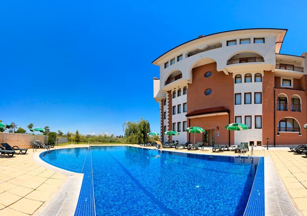 Sunrise club apart hotel bulgaristan ravda for Corse appart hotel