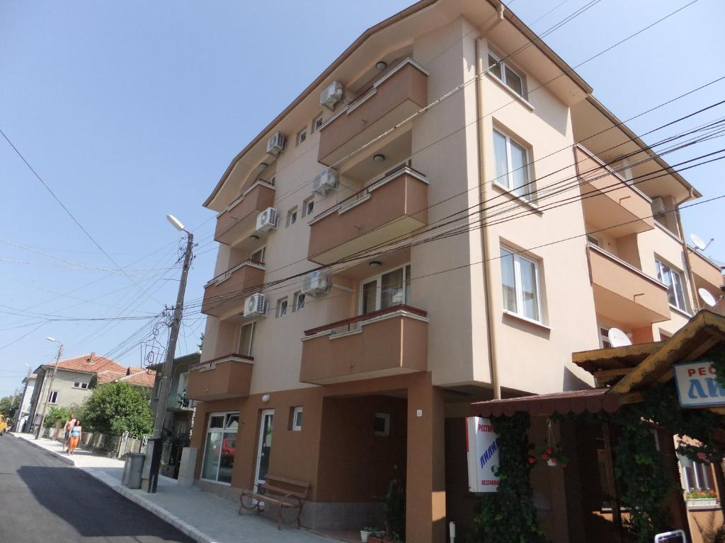 Апартамент Къща за Гости Лилия - Обзор